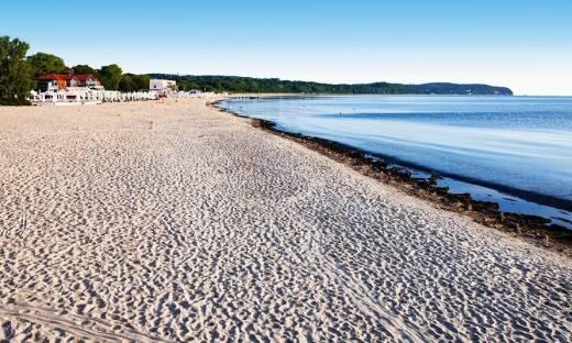 Hotele blisko morza. Dlaczego cieszą się popularnością?