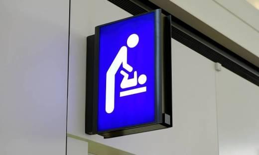 Przewijaki dla niemowląt w miejscach publicznych. Dlaczego są tak ważne?