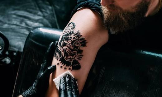 Jakie preparaty nadają się do pielęgnacji tatuażu?