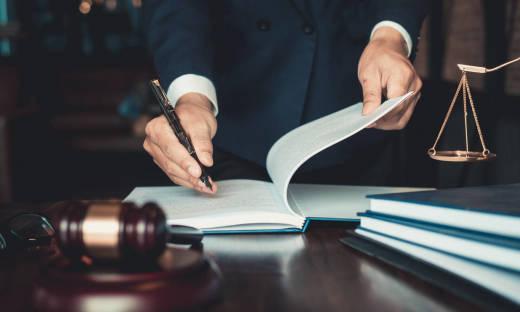 Kto dziedziczy spadek przy braku testamentu?