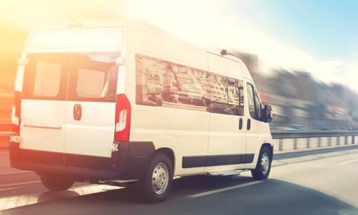 Planujesz objazdówkę po Niemczech? Zobacz, dlaczego warto wybrać busa